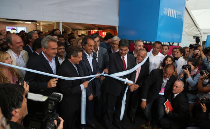 Espinoza participó de la inauguración de Expo Industria en Mar del Plata