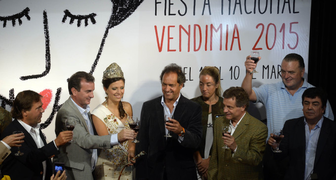 Espinoza participó de la presentación de la Fiesta de la Vendimia encabezada por Scioli