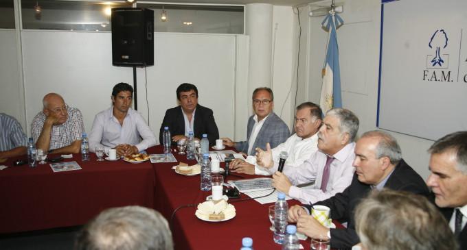 De Vido se reunió con intendentes de todo el país agrupados en la FAM
