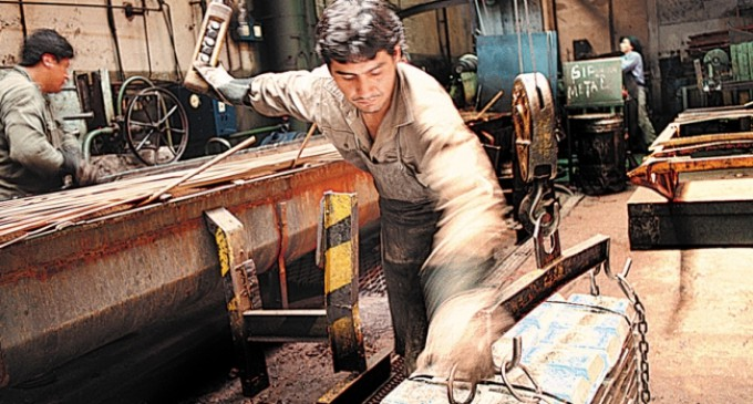 La construcción, sectores de la industria y las pymes, en contra de una devaluación