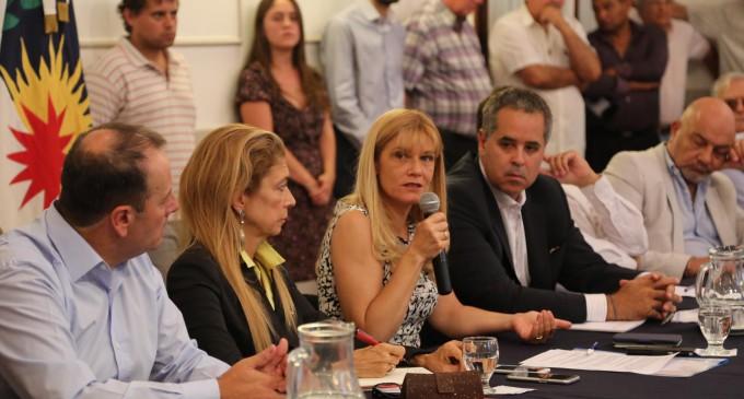Verónica Magario se reunió con más de un centenar de  empresarios y trabajadores para proteger el trabajo, la   producción y el consumo en La Matanza