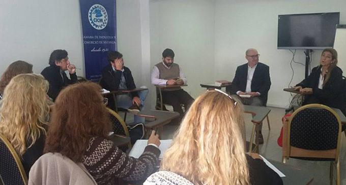 """La Matanza debatió sobre el """"Nuevo Paradigma de la Economía Solidaria"""""""