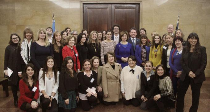 Impulso a emprendedores con foco en las mujeres como agentes de cambio