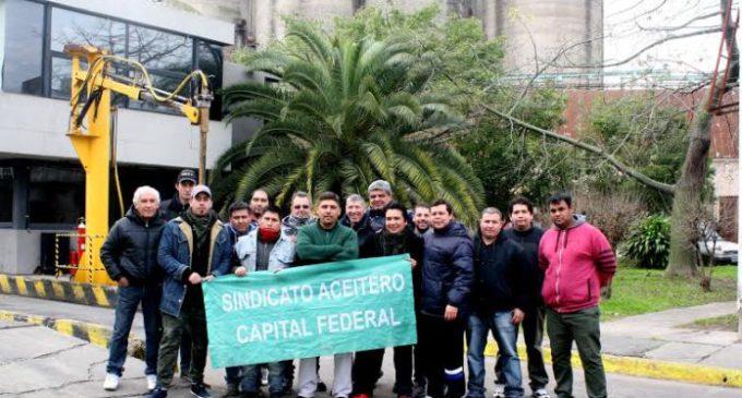 Trabajadores de una aceitera ocupada quieren formar una cooperativa