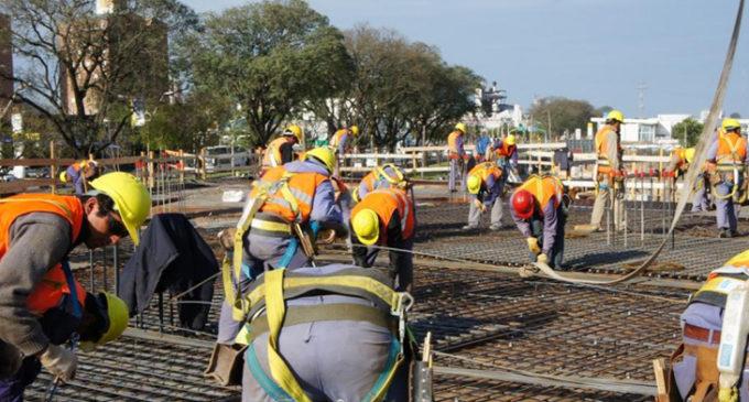 La construcción registró una caída de 19,6 por ciento y la UOCRA local advierte por despidos