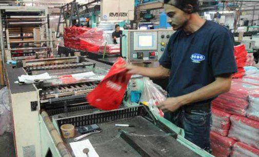 Empresarios del plástico, preocupados por la caída de la actividad en el Distrito