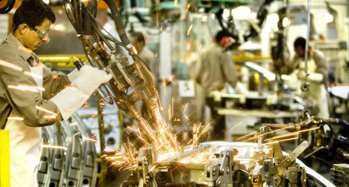 En octubre, la caída en la industria y la suba de tarifas se reflejó en el consumo eléctrico