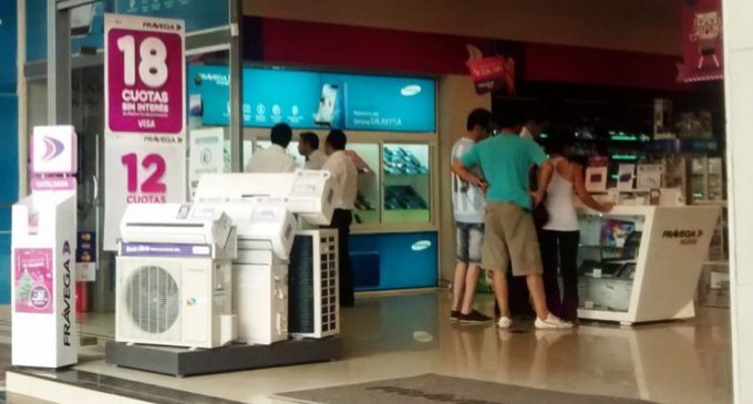 """Adiós al """"sin interés"""": las compras en cuotas deberán blanquear el recargo"""