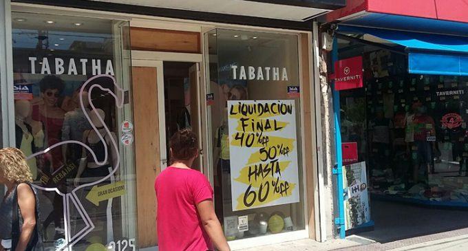 Los comerciantes matanceros anticiparon las liquidaciones con fuertes descuentos