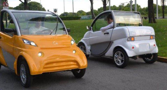 El auto eléctrico matancero ya circula en Morón para hacer controles en las calles