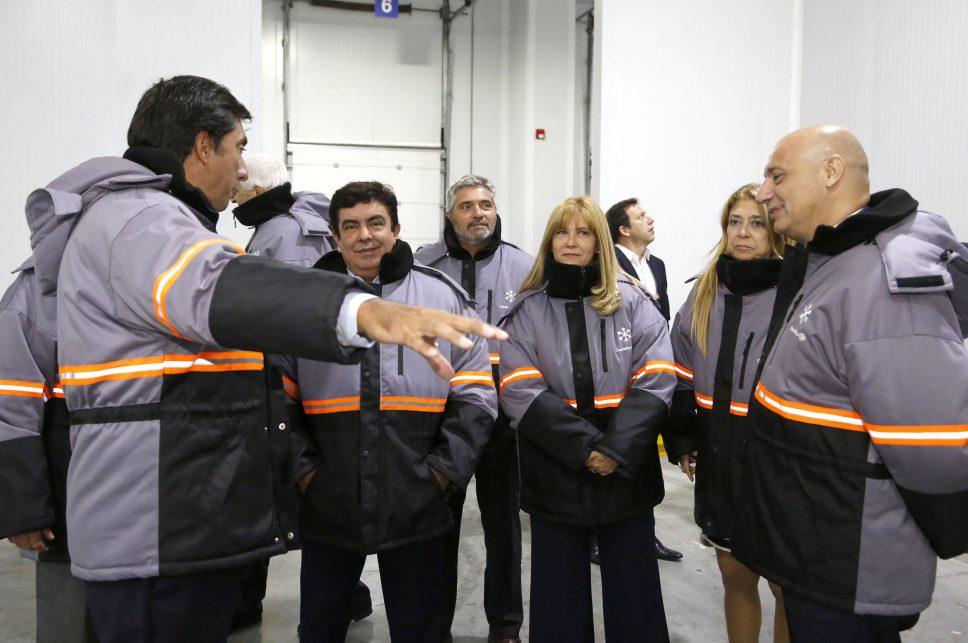 Verónica Magario en la inauguración de  un centro de distribución de última generación