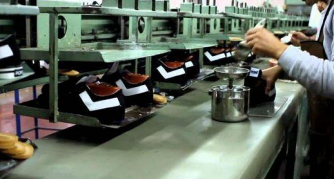 """El Gobierno impulsa una ley para que el Estado """"priorice"""" la compra de productos nacionales"""