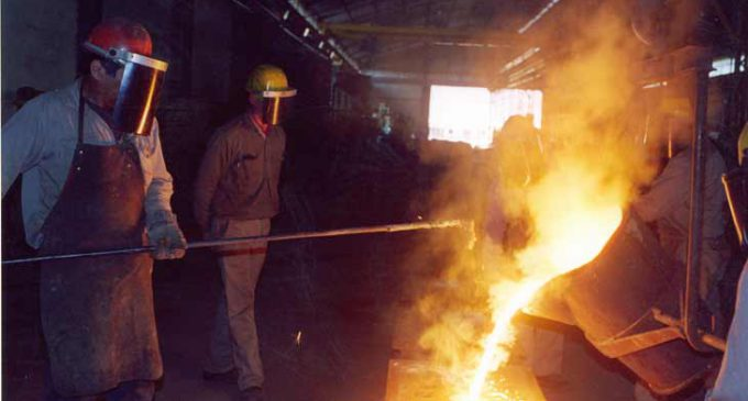 El Gobierno analiza poner barreras a la importación en los sectores sensibles