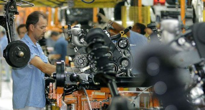 """La UIA ratifica su """"compromiso"""" con el empleo, pero alerta por el receso fabril"""