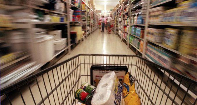 Se desplomó en marzo la confianza del consumidor