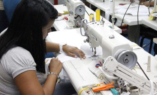En la Provincia, la actividad industrial cayó más de cinco por ciento en el primer bimestre