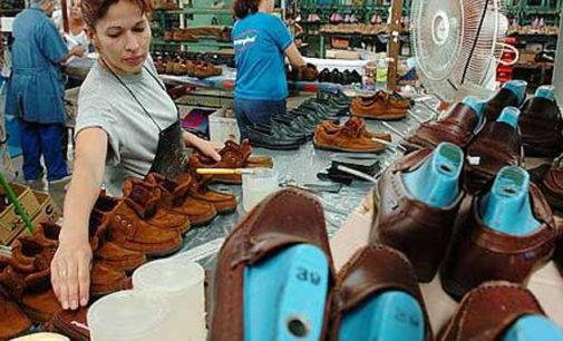 El Gobierno quiere reactivar la producción textil y de calzados reduciendo aportes patronales