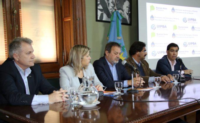Firman convenio para mejorar la eficiencia energética y competitividad de las empresas