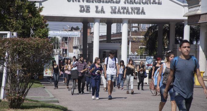 La UNLaM otorgó becas de investigación a sus alumnos