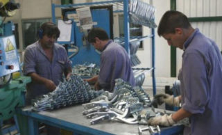 El 55,4 por ciento de las PyMEs cree que bajará su demanda interna a principios de este año