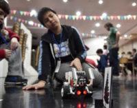 Más de cien chicos participaron de un taller con robots y juegos de electrónica e ingeniería en la UNLaM
