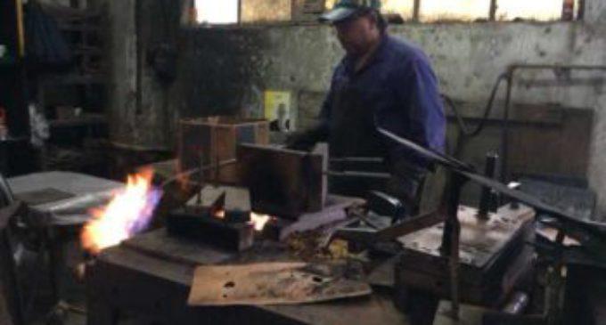 Otra mala: según el INDEC, la producción industrial se derrumbó 6,4 por ciento