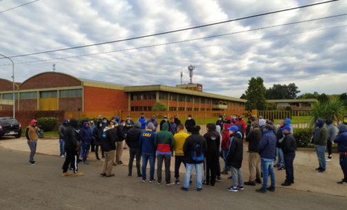 En medio del reclamo de trabajadores de la empresa Oblak, el Gobierno depositó los sueldos adeudados