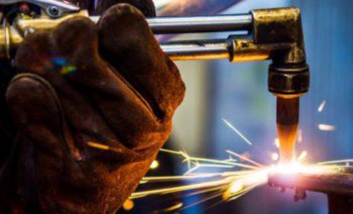 El 54,1 por ciento de las fábricas trabajó con normalidad en agosto