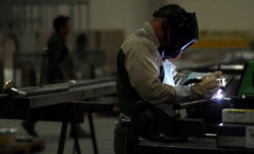 """Aseguran que las metalúrgicas funcionan """"casi al ciento por ciento"""", pero con temor al rebrote"""