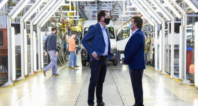 """Fernando Espinoza: «Si a las empresas como Mercedes Benz les va bien, le va bien a La Matanza"""""""
